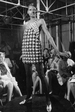 1968: una sfilata di Paco Rabanne