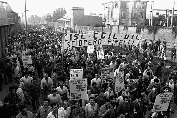 Uno sciopero degli operai della Pirelli Bicocca del 1969