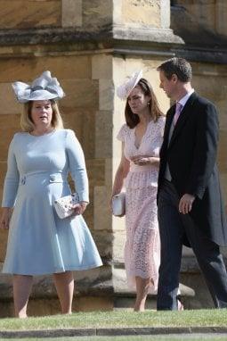 Samantha Cohen arriva con altri invitati al Royal Wedding
