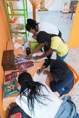 Le donne ospiti del Centro d'accoglienza 'Casa Rut' al lavoro
