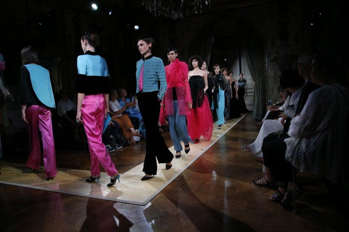 Armani Privé: lezione di couture per nuove generazioni