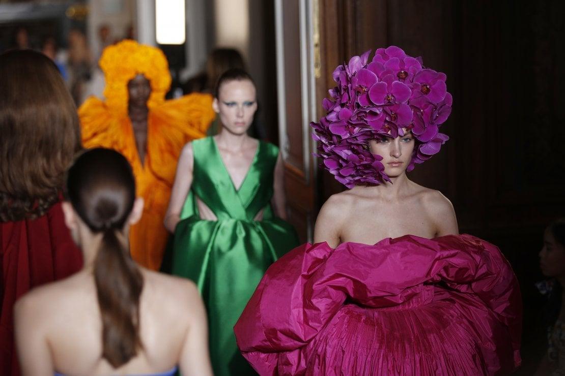 Il finale della sfilata Autunno/Inverno 2017/18 di Valentino Haute Couture