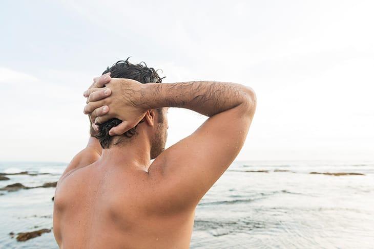 Galateo da spiaggia per lui: 10 cose da fare (o da non fare)