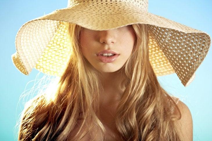 Capelli e sole: le regole per la corretta esposizione