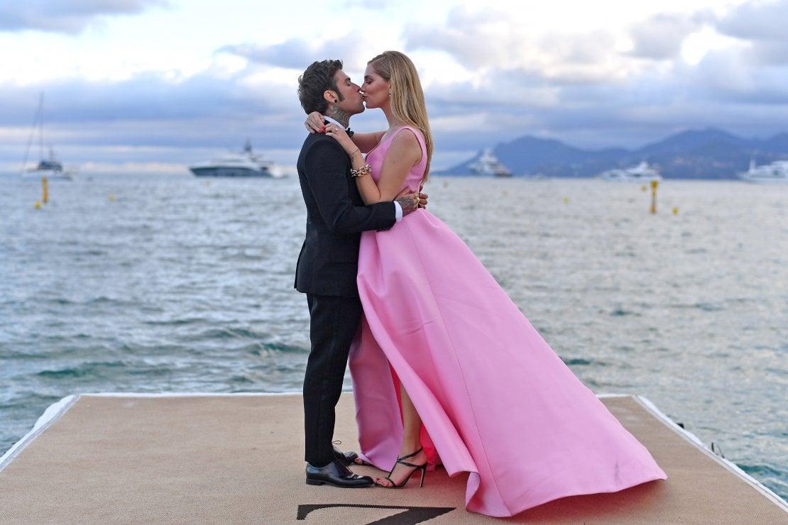 Ilary Blasi: Aspetto l'invito al matrimonio Fedez-Ferragni. E loro su Instagram: Tu e Totti ufficialmente invitati. E poi tocca a Bebe Vio...