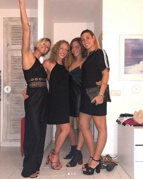 Federica Pellegrini a Formentera festeggia i suoi 30 anni con le amiche