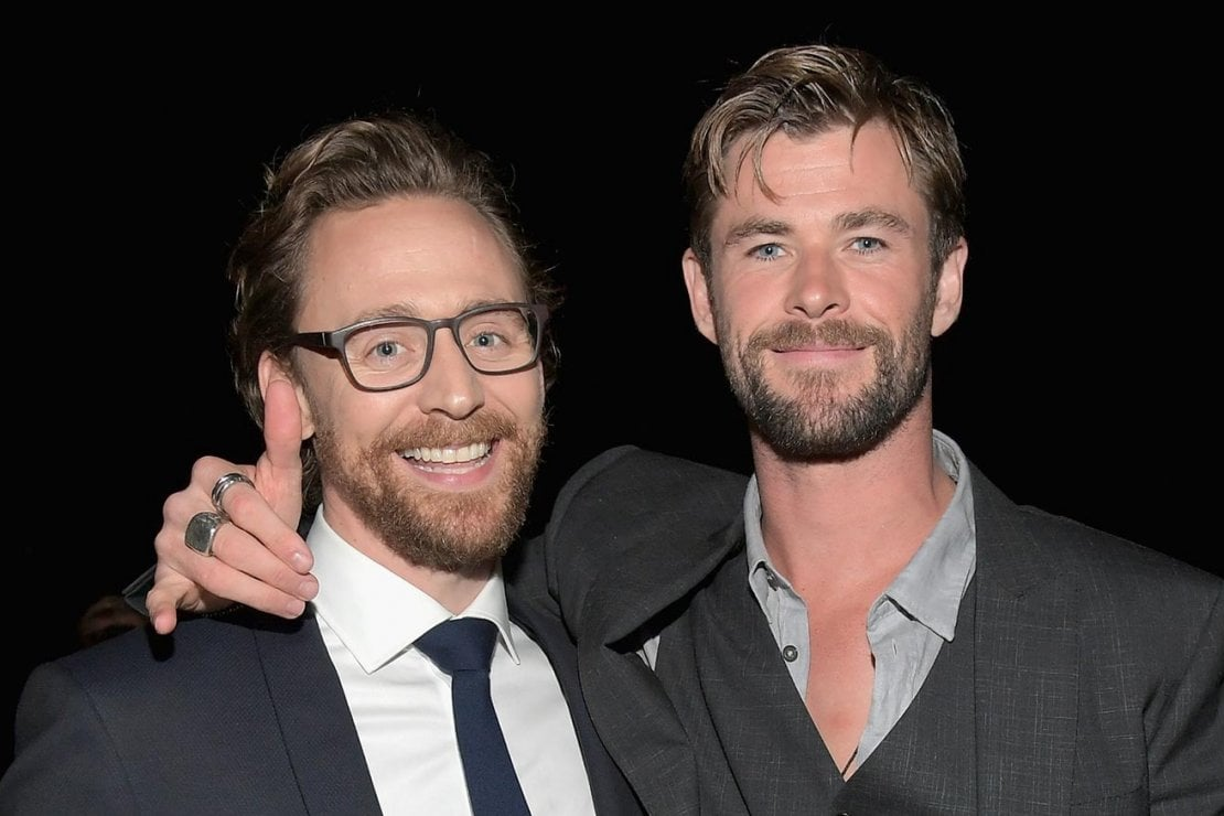 Gli attori Chris Hemsworth e Tom Hiddleston