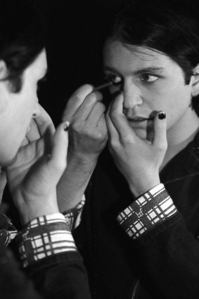 Chanel lancia Boy, la prima linea di make up maschile. Seguendo il trend che nasce dal rock, passa da Hollywood e arriva fino a YouTube