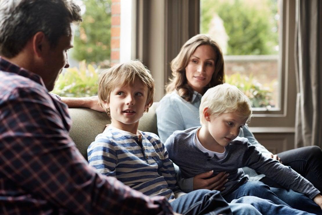 Discussioni in famiglia: 5 vantaggi del fatto di parlare davanti ai figli