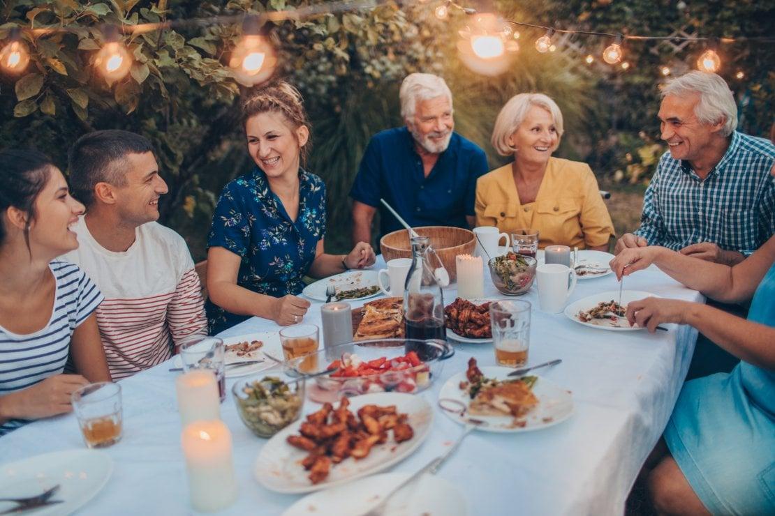 Coppia: il primo incontro con i genitori. La psicologa consiglia: meglio aspettare e mai a cena