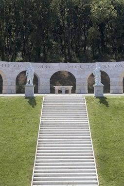 Il monumento Tributo alla Dignità dell'Uomo