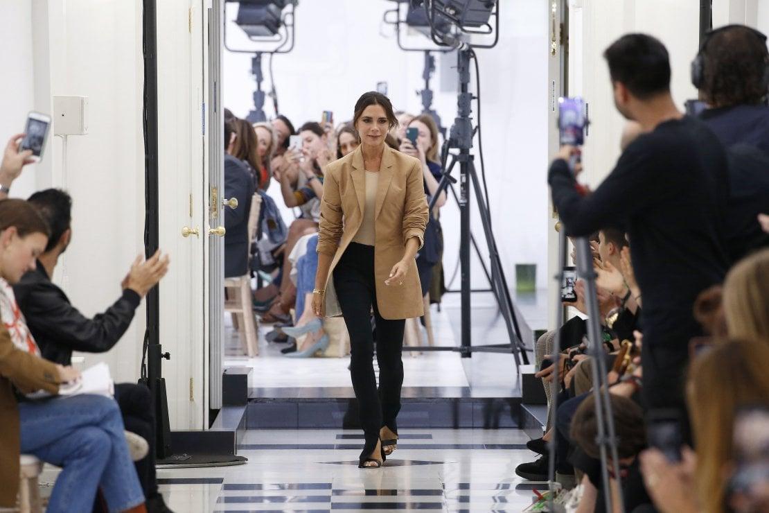 10 anni di moda: Victoria Beckham torna a Londra per il suo decennio da stilista