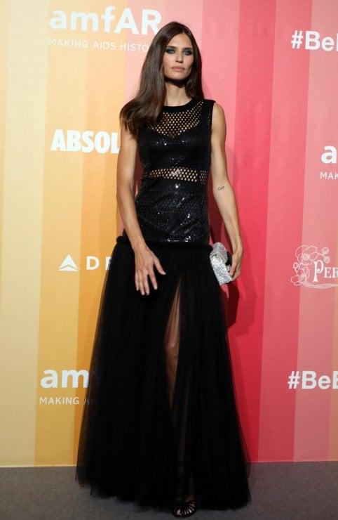 Bianca Balti regina dell'amfAR Gala di Milano