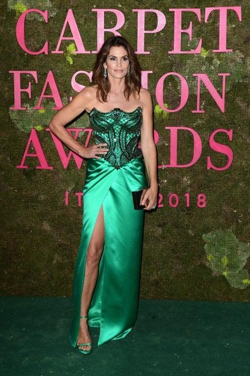 Da Cate Blanchett a Cindy Crawford: i look più belli visti ai Green Carpet Fashion Awards