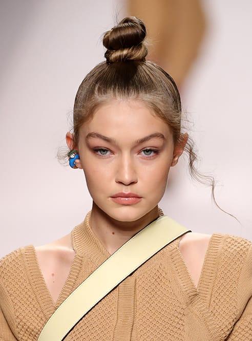 Milano Fashion Week: 30 look tra nuovo minimalismo e ritorno ai '90