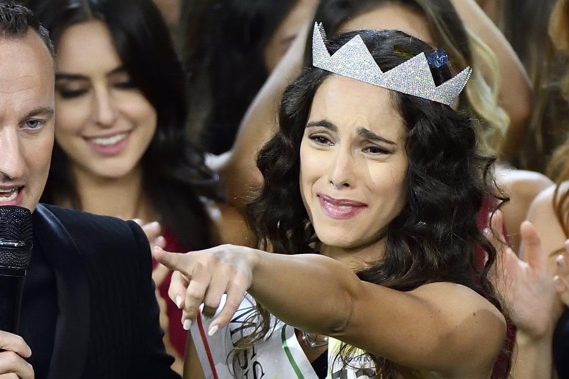 Carlotta Maggiorana resta miss Italia nonostante le foto hot, ma l'emancipazione è ancora lontana