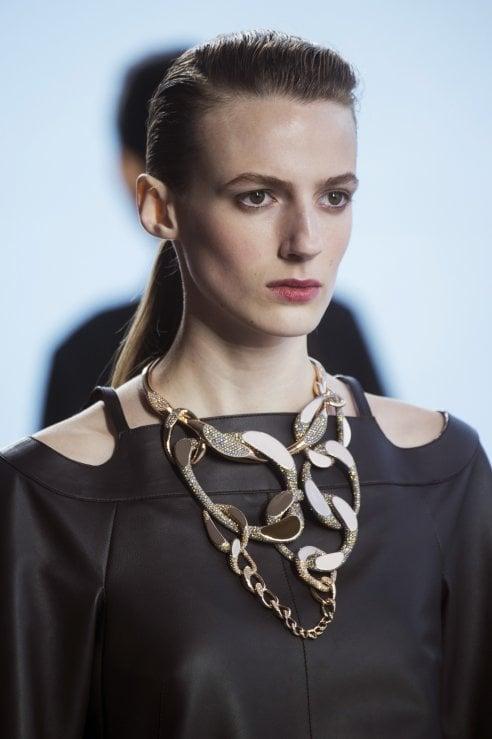 super economico più economico abbigliamento sportivo ad alte prestazioni Gioielli: grandi cerchi dorati, orecchini e collane over, anelli ...