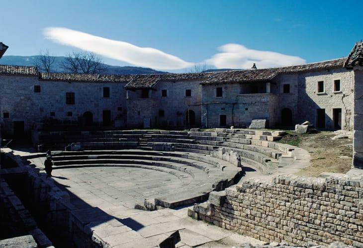 Teatro romano, area archeologica della città romana di Saepinum, Sepino, Molise