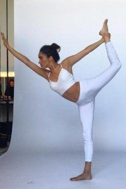 Meghan Markle pratica yoga in una foto postata sul suo account Instagram chiuso a gennaio 2018