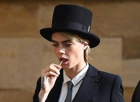 Vestito Matrimonio Uomo Con Cilindro : Cara delevingne lecca lecca e cilindro il look maschile che