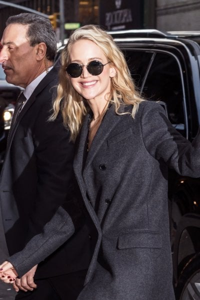 Dal dolce Stil Novo a Jennifer Lawrence (passando per Marilyn): breve storia degli stereotipi sulle bionde