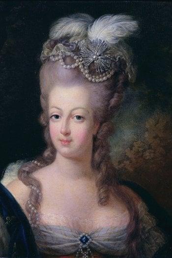 Maria Antonietta con i capelli lilla