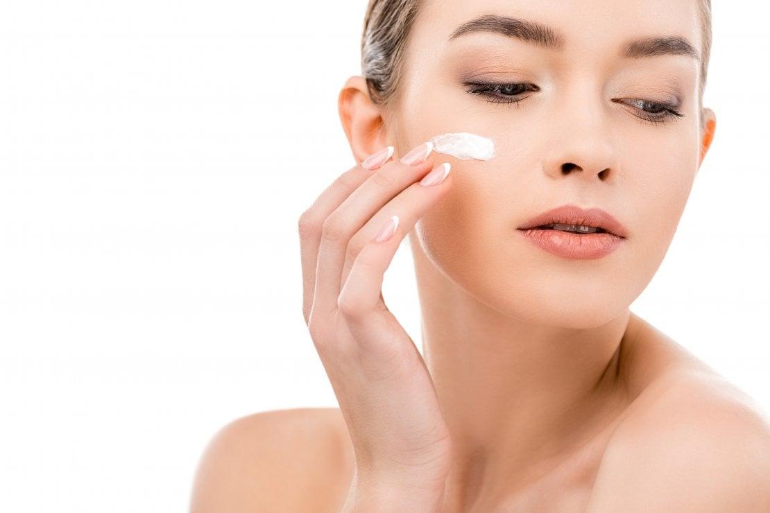 Una crema per ridefinire i contorni del viso e dare compattezza