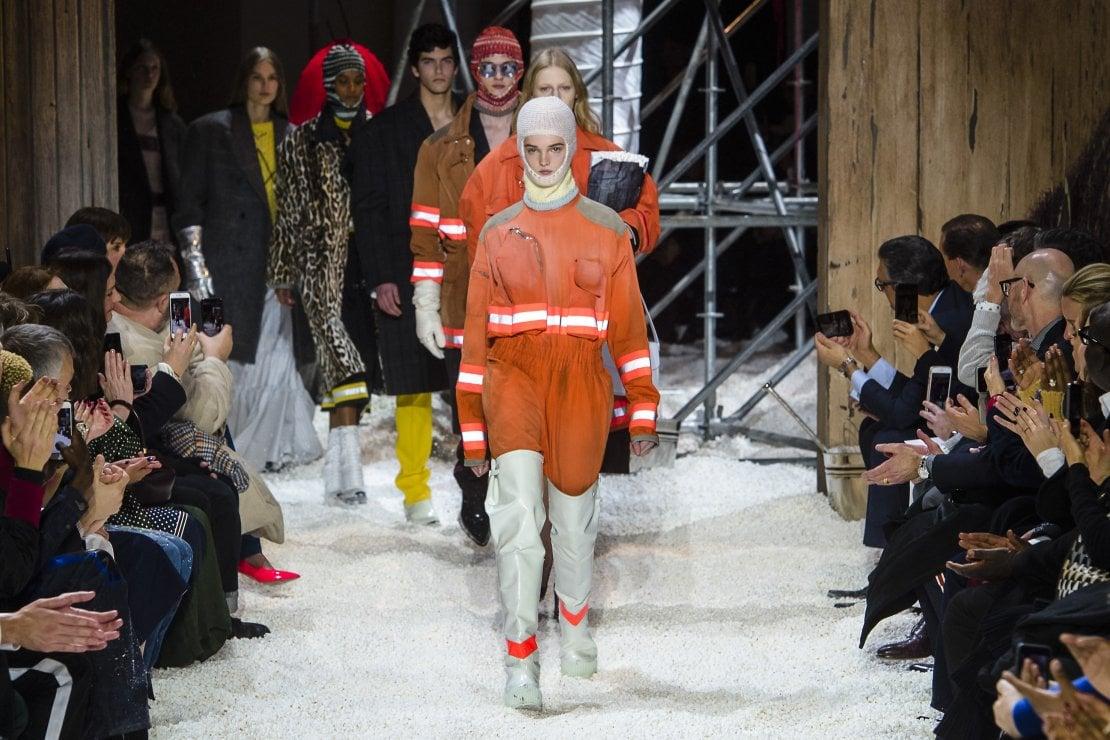 L'uscita finale della sfilata di Calvin Klein Autunno Inverno 2018 19