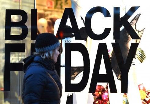 Black friday: 15 abiti da comprare e indossare durante le feste di Natale