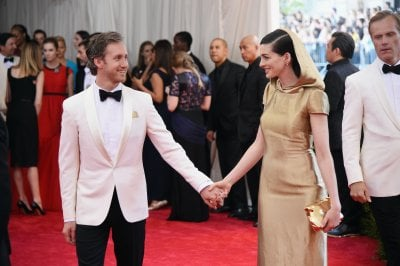 Anne Hathaway compie 36 anni: i look che l'hanno trasformata in una divina dei red carpet