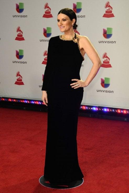 Laura Pausini vince ai Latin Grammy Awards con un look mozzafiato