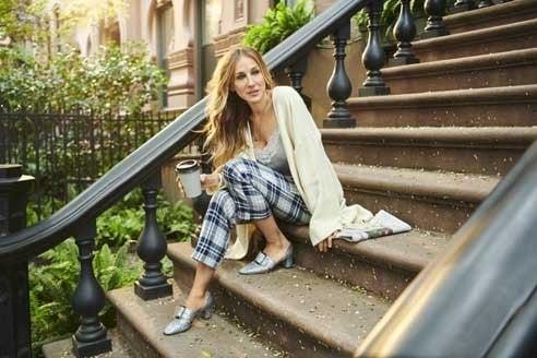 Sarah Jessica Parker posa nel suo quartiere di New York con l'Italia nel cuore