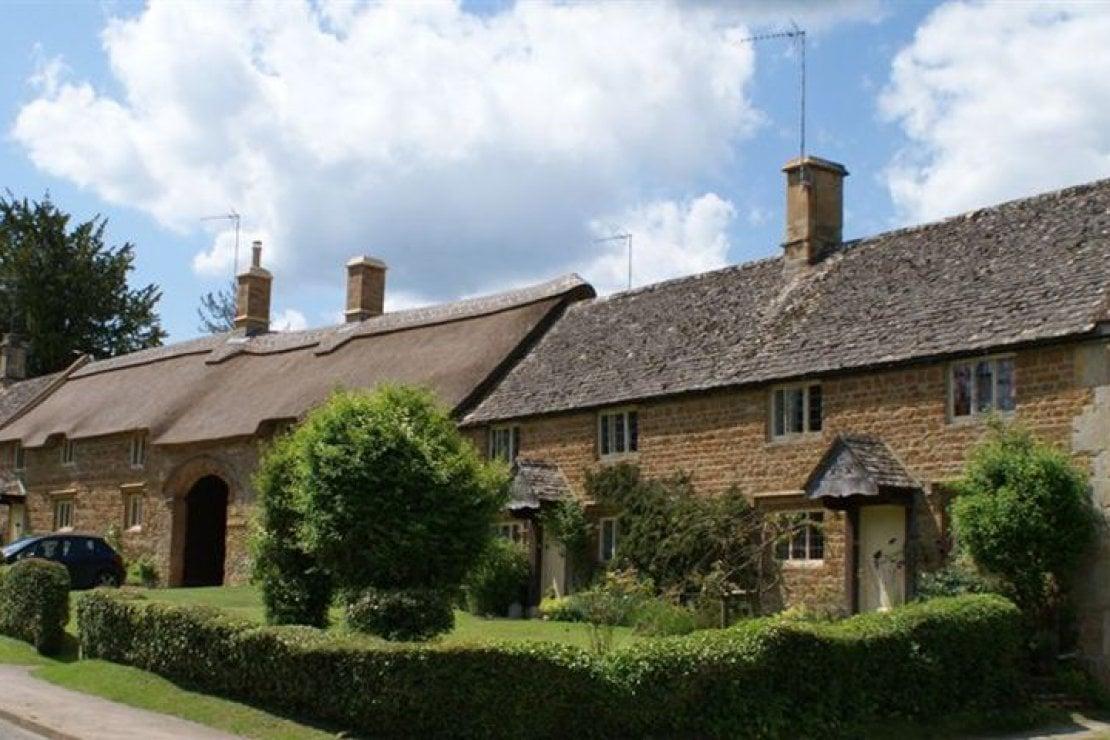 La residenza affittata dai duchi di Sussex è una delle lussuose proprietà in affitto nella Great Tew Properties