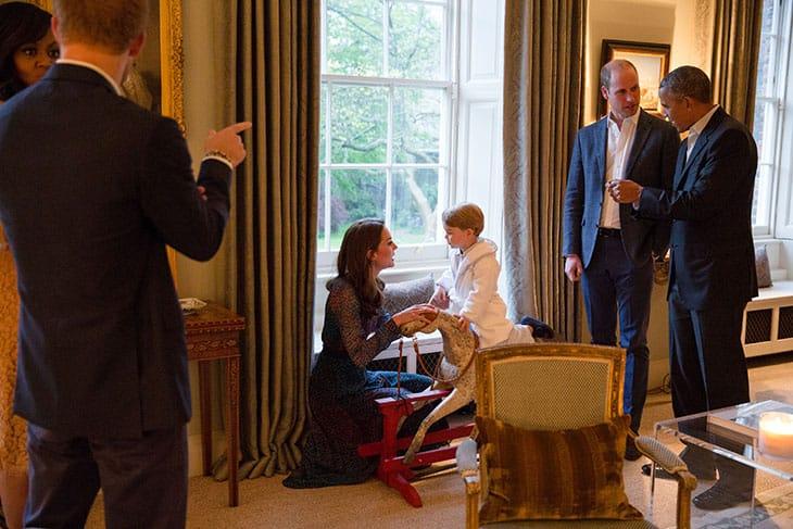 Aprile 2016: Michelle e Barack Obama con Harry, Kate, William e il piccolo George