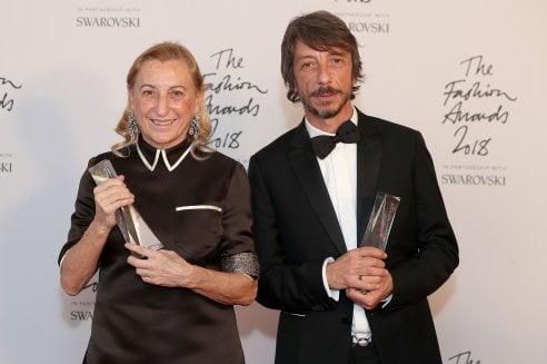 British Fashion Awards: red carpet spumeggiante e trionfo italiano per i premi inglesi della moda