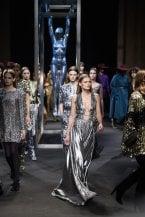 Paillettes: da dove vengono i decori più luminosi della moda