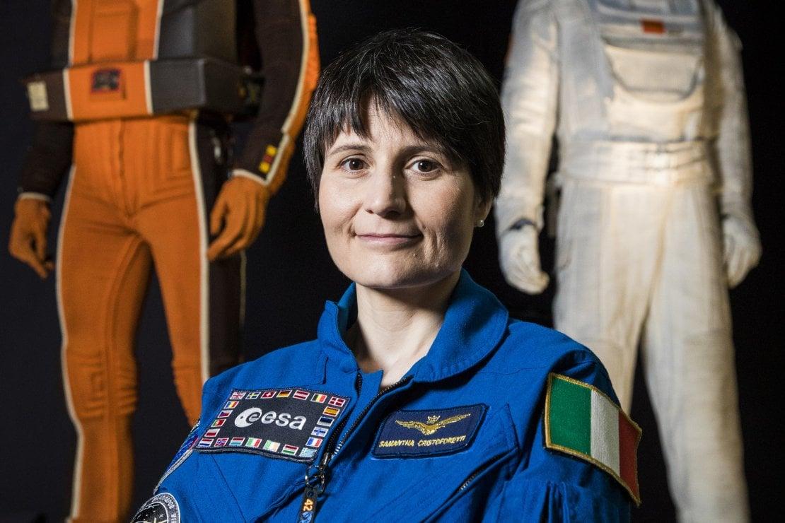SAMANTHA CRISTOFORETTI Ufficiale pilota dell'Aeronautica militare e astronauta dell'ESA/ASI.