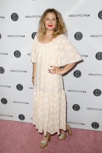 Realtà VS apparenza: Drew Barrymore lancia la campagna social #TheWayItLooksToUs