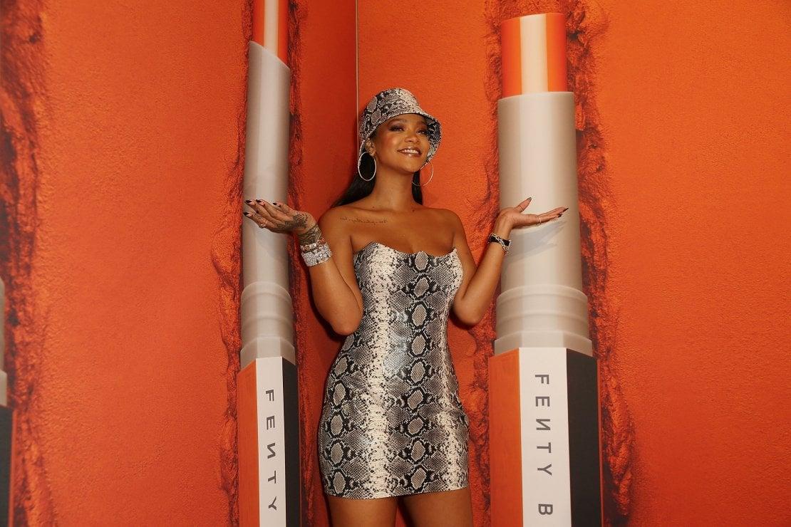 Rihanna e la bellezza inclusiva: lancia un correttore in 50 nuances per donne di ogni colore