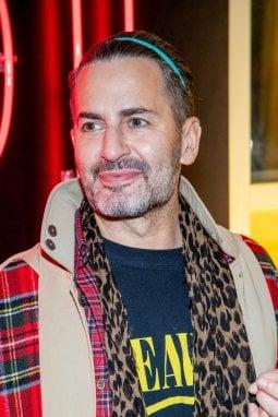 Marc Jacobs indossa la maglietta 'incriminata'