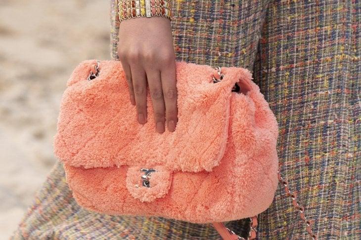 10 accessori nel colore di stagione: rosa corallo