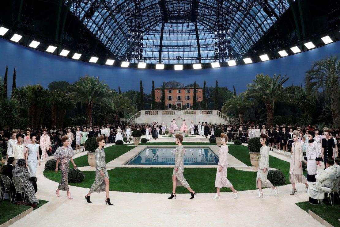 Chanel: l'assenza di Karl Lagerfeld scuote il mondo della moda