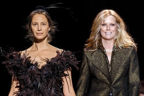 Le top model degli anni '90  tornano in passerella. Christy Turlington, 50 anni e Patti Hansen, 62, sfilano a New York