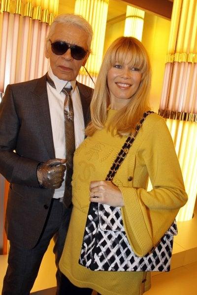 Addio a Karl Lagerfeld: il ricordo di stilisti, top model e amici