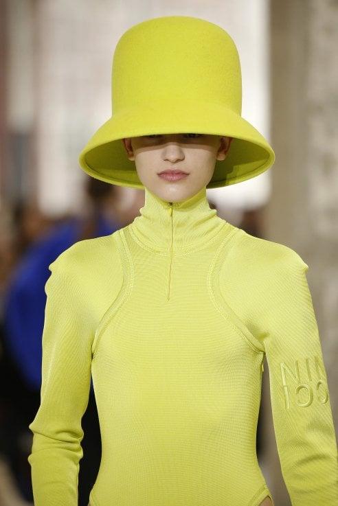 cd5aa30ef022 cappello British giallo della collezione autunno-inverno 2019 20