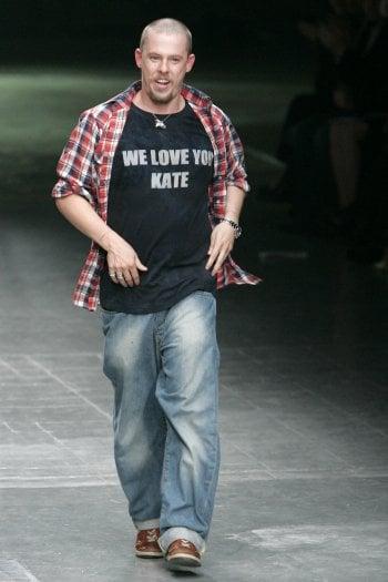 64971eca9a42df Alexander McQueen  esce al cinema il film sul genio della moda scomparso  nel 2010