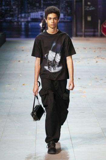 Uno dei capi della collezione A/I 2019 di Louis Vuitton che verranno ritirati dalla produzione