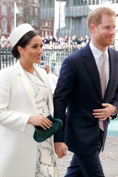 Il principe Harry e Meghan Markle al battesimo di Lena Tindall. Grandi assenti William e Kate