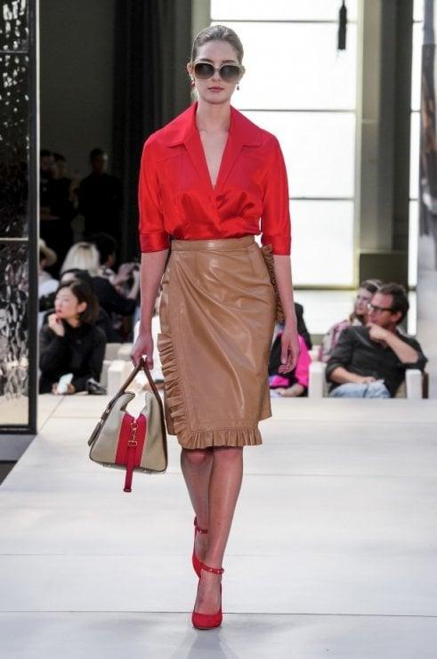 Il rosso di stagione da indossare in color block o a contrasto