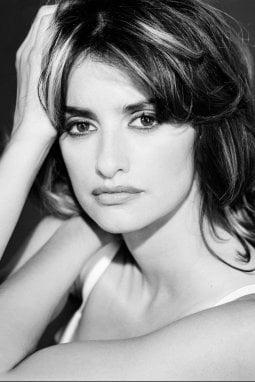 """Gianmarco Chieregato: """"Da George Clooney ad Alessandro Borghi, da Monica Bellucci a Penelope Cruz, 200 ritratti e per ognuno un aneddoto"""""""